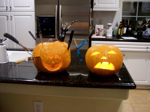 AAAAAGH That pumpkin is all scary-like!!!
